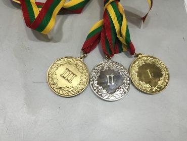 """Tradicinį """"Ambasadoriaus taurės"""" turnyrą laimėjo Niujorko lietuvių krepšinio komanda """"Geležinis vilkas"""""""