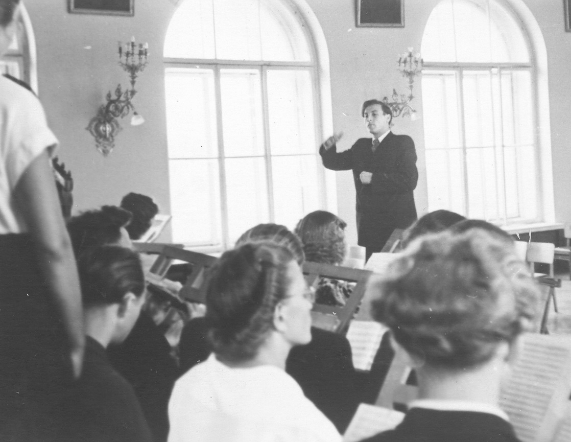Valstybinis dirigavimo egzaminas 1956 m.