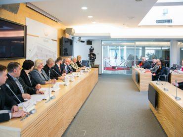 Seime posėdžiavusi LR Seimo ir PLB komisija priėmė devynias rezoliucijas