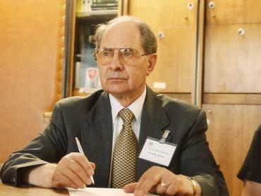 Su Lietuva ir Lietuvai: Pasaulio Lietuvių Bendruomenės pirmininkas Vytautas Kamantas
