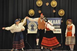 pillerkaar Estonian folk dancers