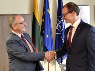 Viceministras padėkojo garbės konsului Kolumbijoje už aktyvų bendradarbiavimą su lietuvių bendruomene