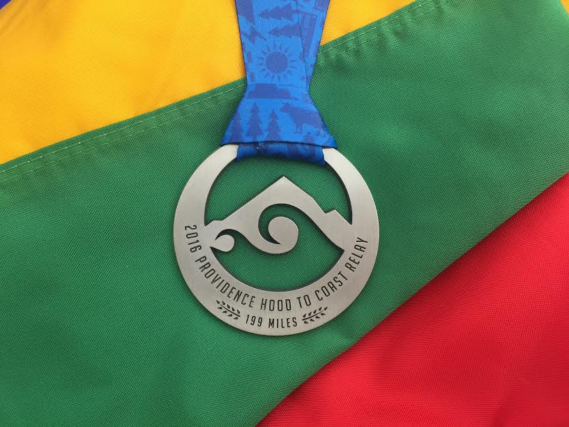 """Kiekvienais metais """"Hood to Coast"""" bėgikai yra apdovanojami originaliais proginiais medaliais"""