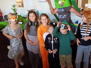 Sidnėjaus Lietuvių Bendruomenėje švenčiant Motinos dieną netrūko žiedų ir šypsenų