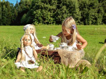 Lietuviai pristatė modernią lėlę, kurios istorija siekia Barboros Radvilaitės laikus