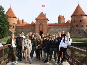 """""""Bring Together Lithuania"""" – modernios Lietuvos pažinimo programa Lietuvių diasporos jaunimui"""