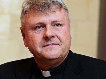 Pasaulio Lietuvių Bendruomenės valdybos nario prelato Edmundo Putrimo gavėnios laiškas pasaulio lietuviams