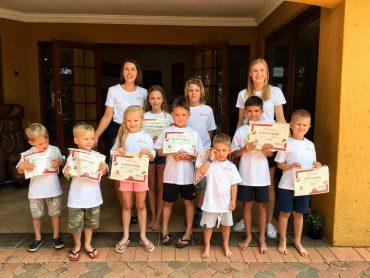 Mokyklėlės atidarymas Pietų Afrikoje priminė lietuvišką rugsėjo 1-ąją