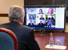 Prezidento pokalbyje su Pasaulio lietuvių bendruomene – dėmesys lituanistiniam švietimui užsienyje