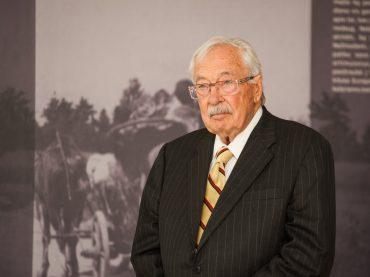 IN MEMORIAM didis lietuvybės puoselėtojas Stanley Balzekas